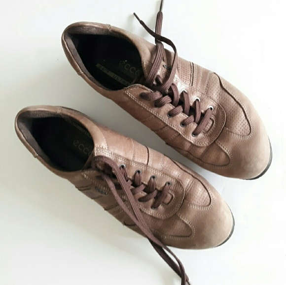 f1046cdc03 Ecco men's brown leather sneakers size 42